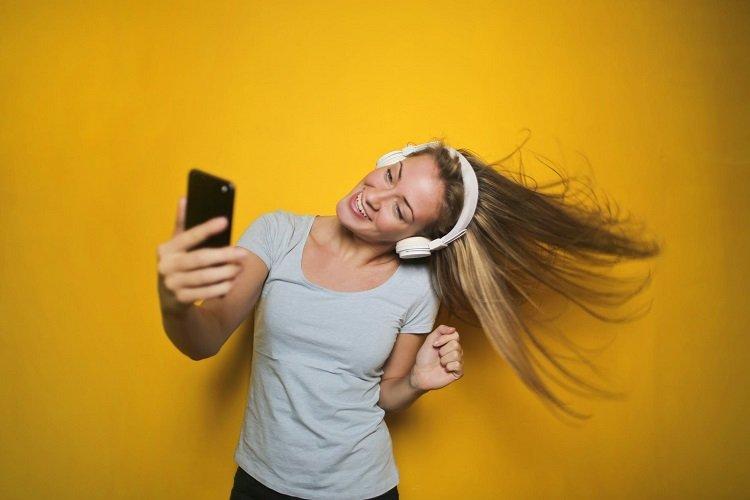 How Influencer Marketing is Breeding Vanity In Millennials And Gen Z